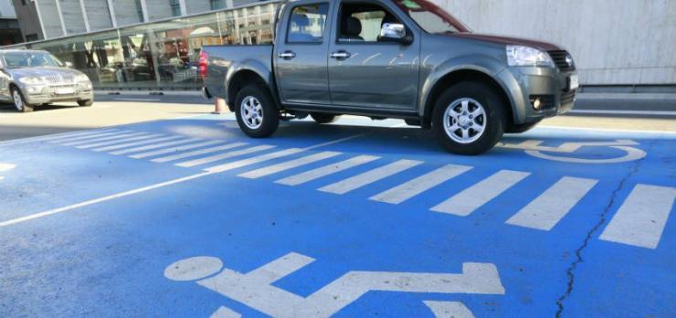estacionamiento para discapacitados